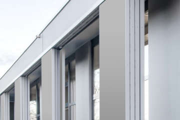 Фасад с раздвижными ставнями Geze