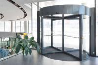 Автоматическая карусельная дверь